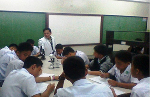 Department of Biology conducts special class to OLFU Grade 7 students