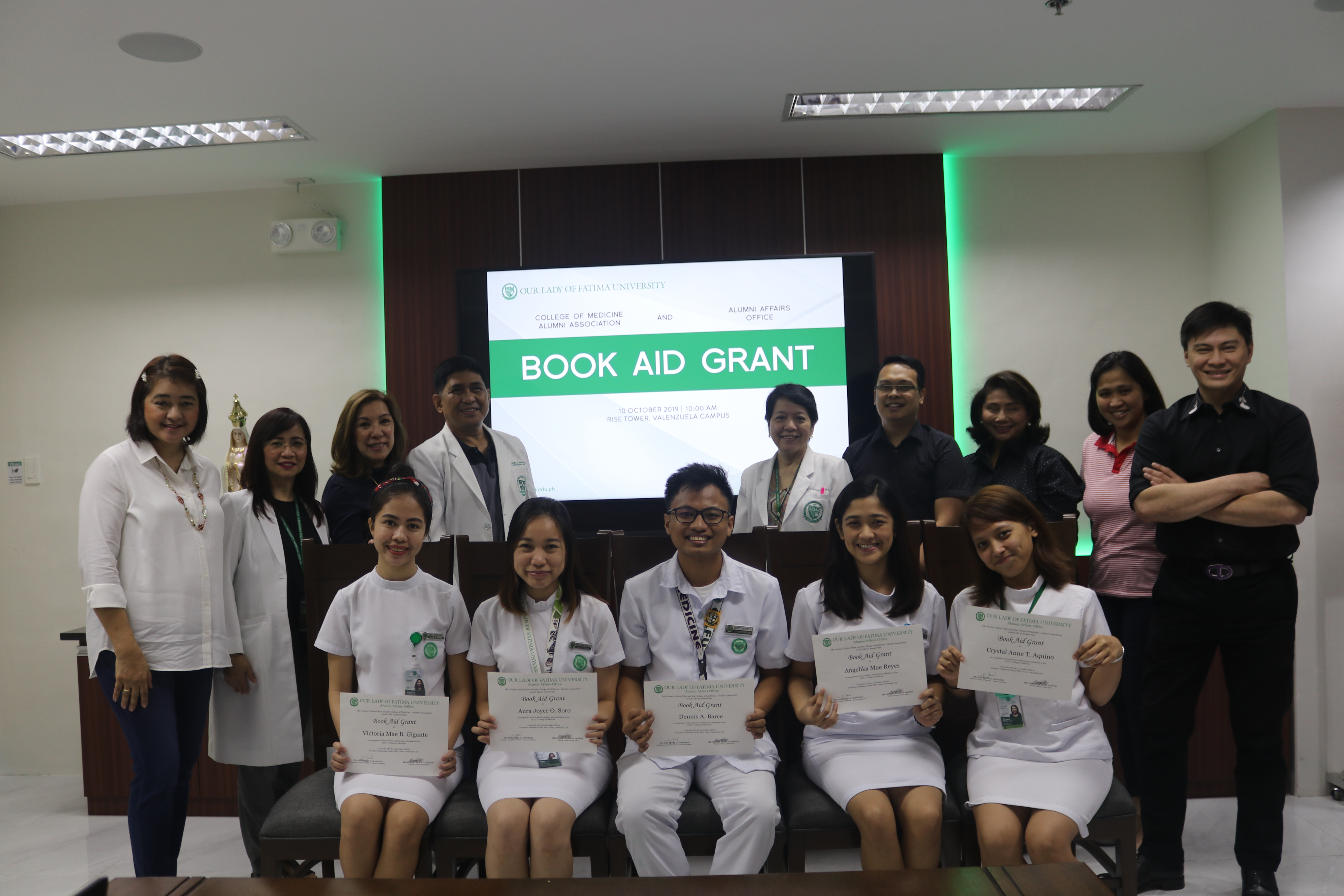 5 Students receive Book Aid Grants from Medicine Alumni