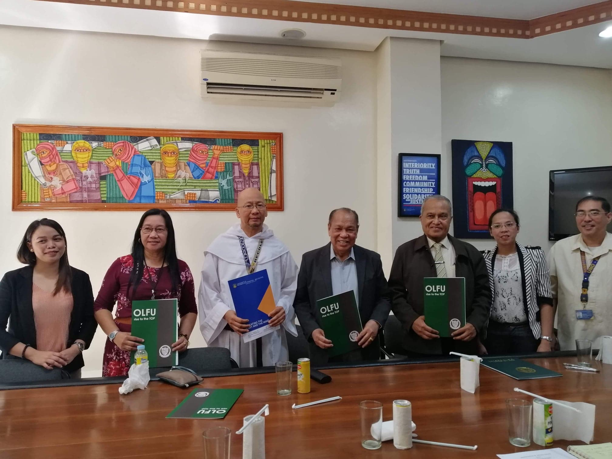MOU inked between OLFU and University of Negros Occidental-Recoletos
